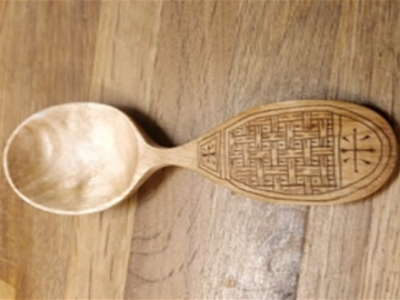 spoon carving course to put patterns in spoons using coffee or cinnamon